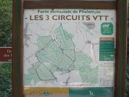 Randonnée V.T.T. à PHALEMPIN: Circuit VTT rouge de la forêt de ...